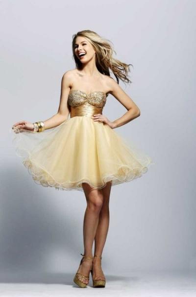 vestido-dorado-corto-amplio